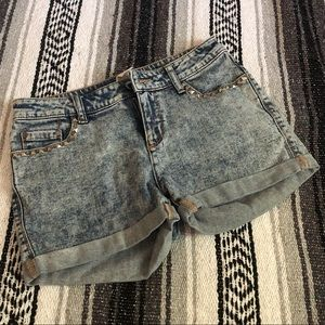 Mid-rise Studded Jean Shorts sz 6